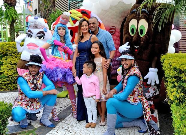 Maria Eduarda, filha de Luciele Di Camargo e do ex-jogador Denilson comemorou seu aniversário (Foto: Eduardo Martins / Agnews)