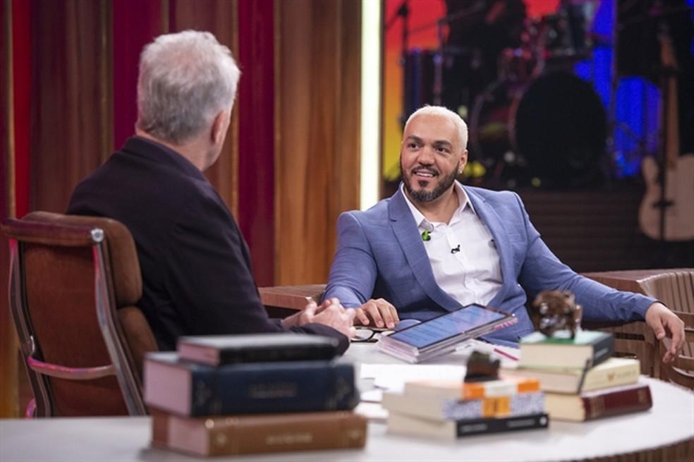 Belo agradeceu a Viviane Araujo pela primeira vez no 'Conversa com Bial' — Foto: TV Globo/Fábio Rocha
