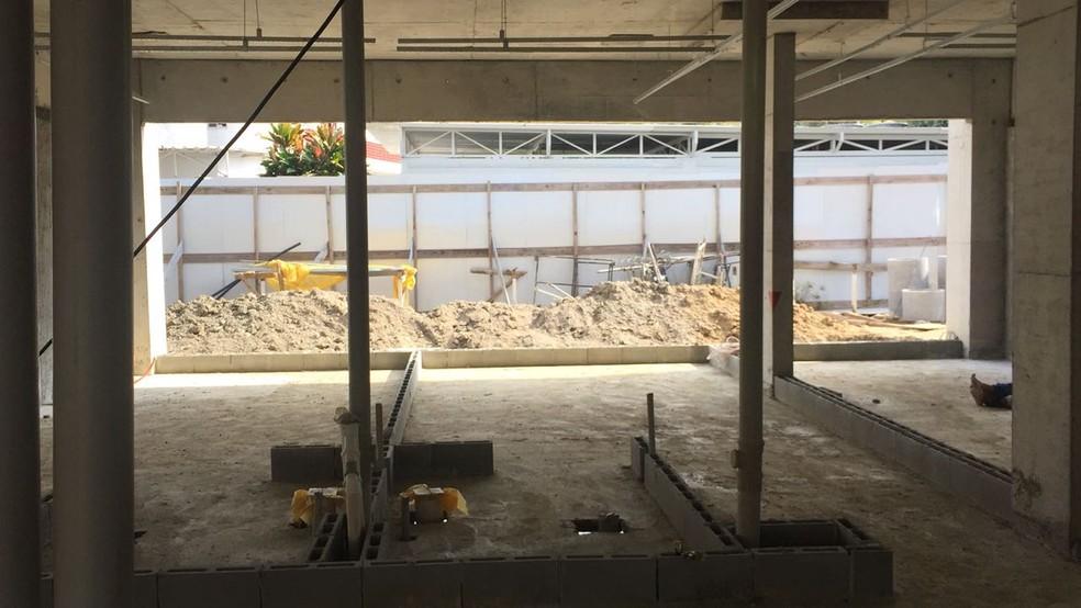 Marcação de um dos quartos na obra do Ninho: serão 46 quartos no hotel que vai servir de concentração do Flamengo (Foto: Raphael Zarko)