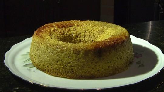 Aprenda receita simples e saudável de bolo de laranja com linhaça