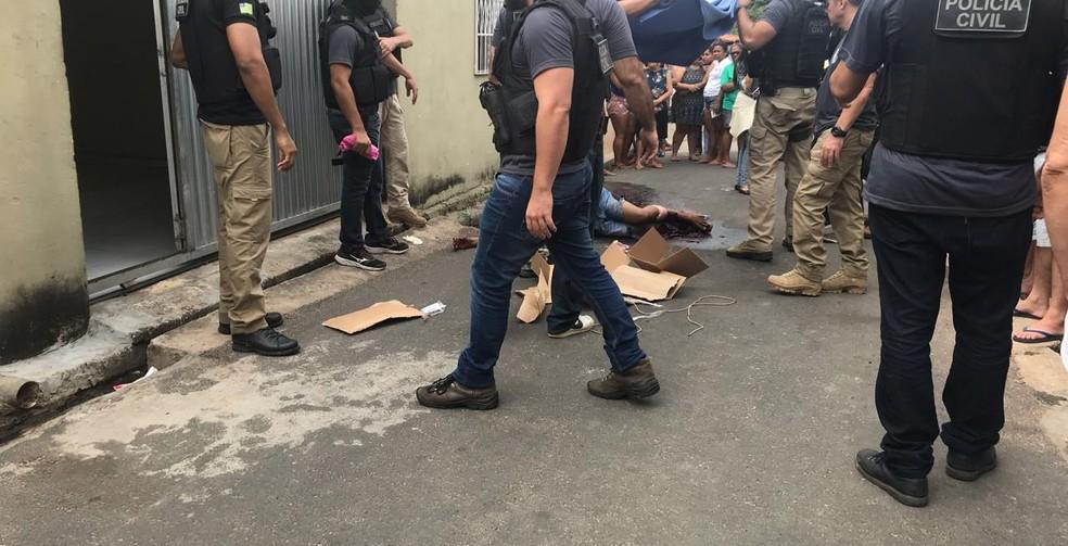 Homem foi baleado por policiais civis em Teresina.  — Foto: Lorena Linhares/G1