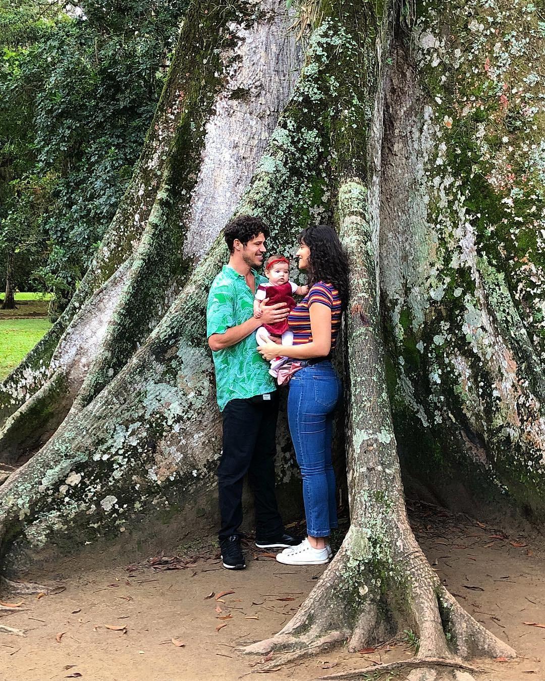 A família 'enraizada' segundo legenda de Loreto (Foto: Reprodução / Instagram)