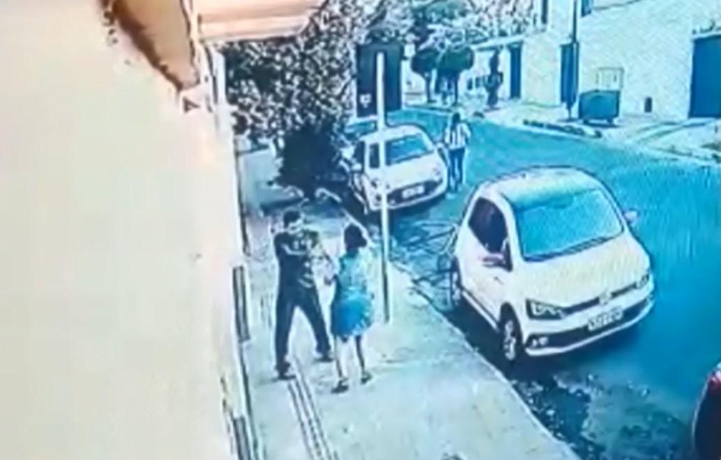 Justiça condena a 17 anos de prisão homem que matou ex-namorada na porta de escola em BH
