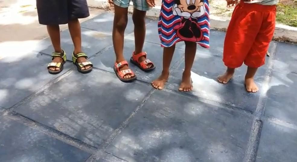 Crianças que estavam em cárcere privado foram resgatadas da casa dos pais em Jaboatão dos Guararapes, no Grande Recife — Foto: Reprodução/WhatsApp