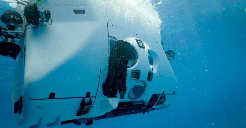 Victor Vescovo fez o mergulho mais profundo do mundo com um submarino e encontrou plástico no ponto mais fundo do oceano já alcançado.  (Foto:  Five Deeps Expedition/Divulgação)