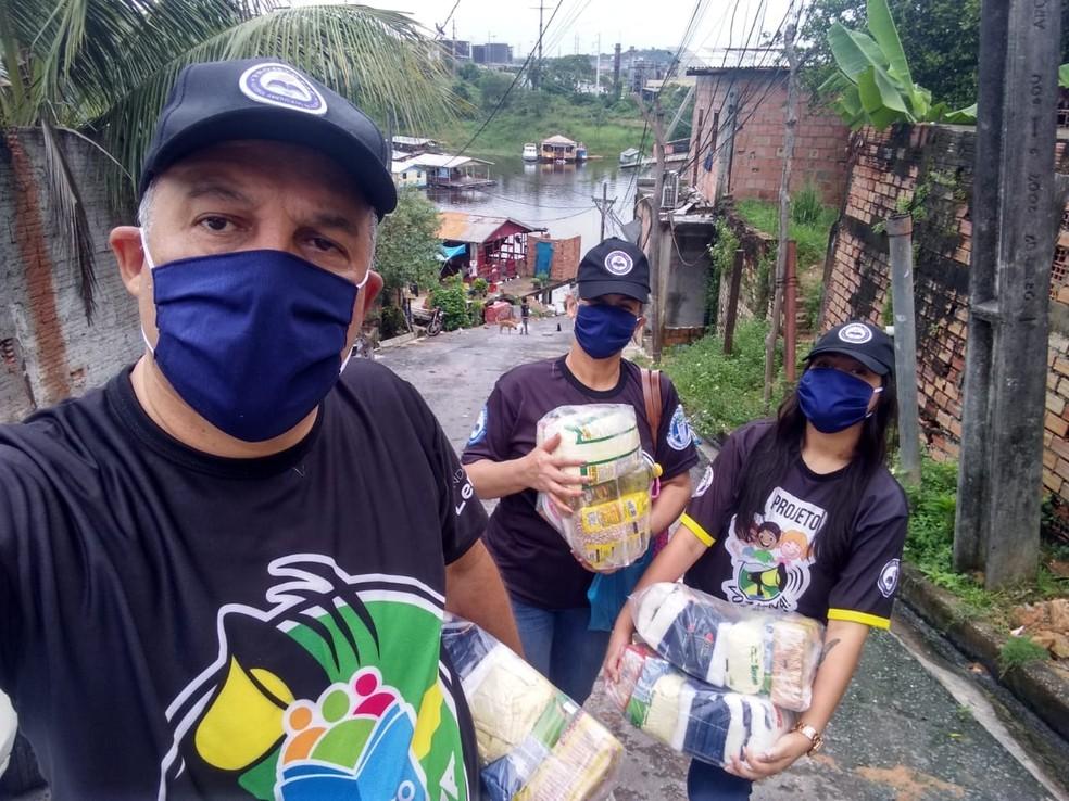 Girleno Menezes arrecada cestas básicas para famílias de alunos do projeto — Foto: Arquivo pessoal