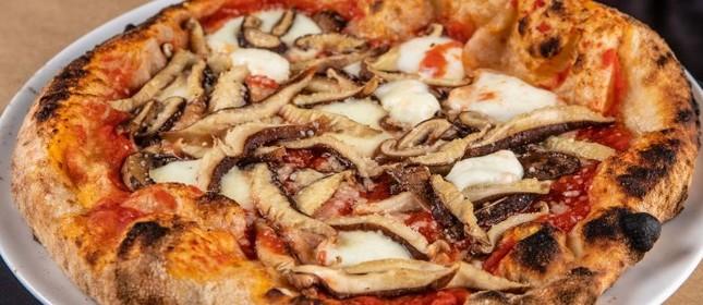 A pizza funghi do Gero Panini