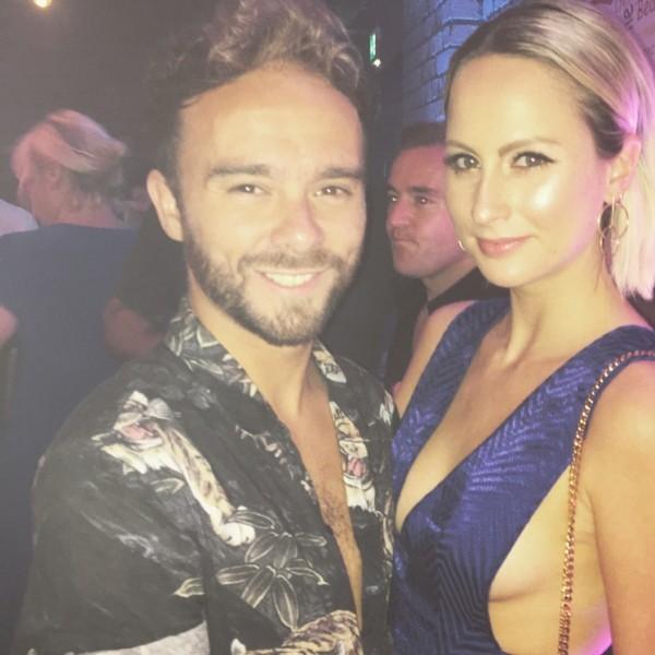 Ator já engatou um novo namoro com Hanni Treweek. (Foto: Reprodução/Instagram)