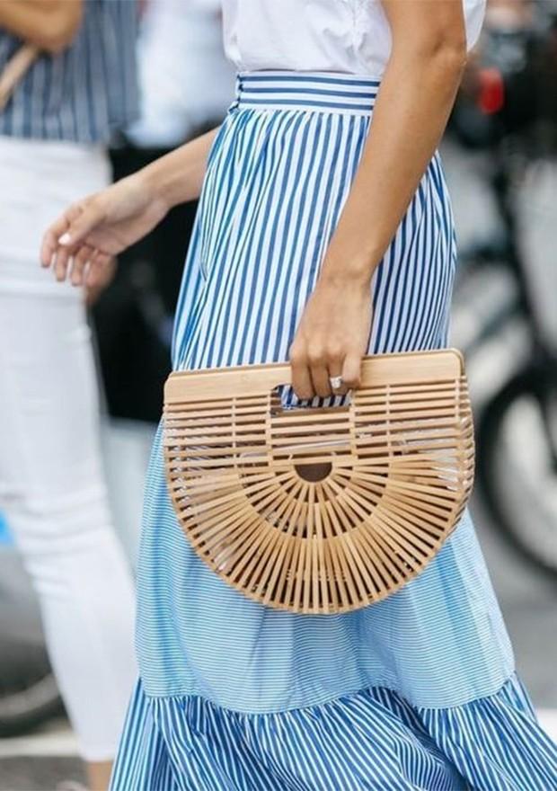 A bolsa de bambu toma o lugar da palha em 2019 (Foto: Reprodução / Pinterest)