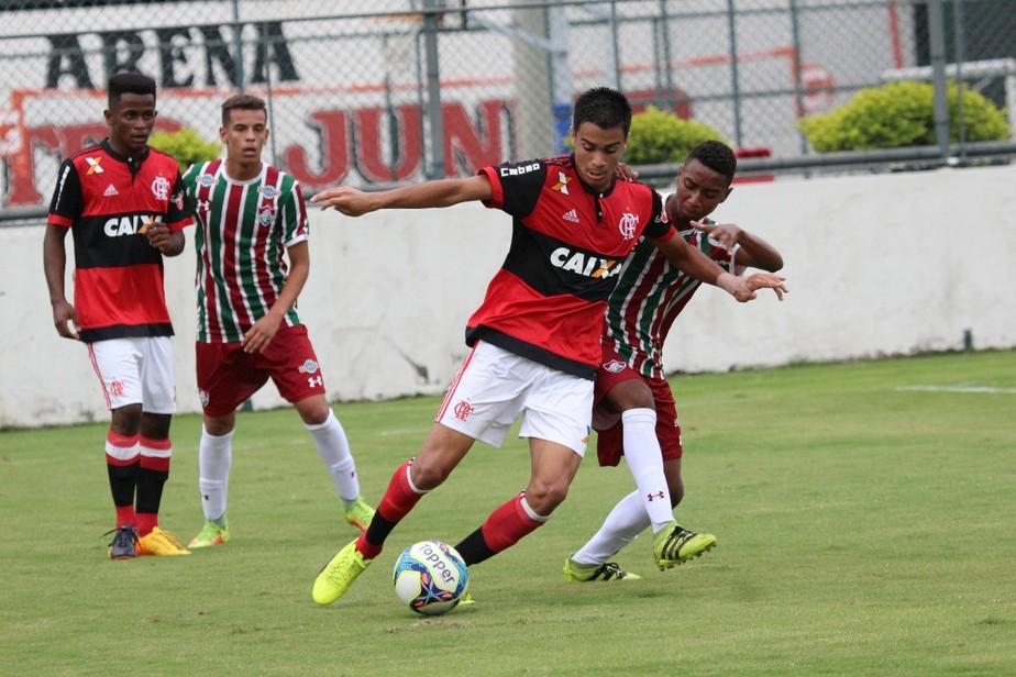 O camisa 10 do futuro: conheça Reinier, o meia clássico da base do Flamengo