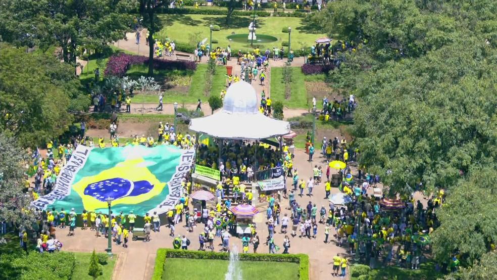 Protesto pró-governo em Belo Horizonte — Foto: Reprodução/TV Globo