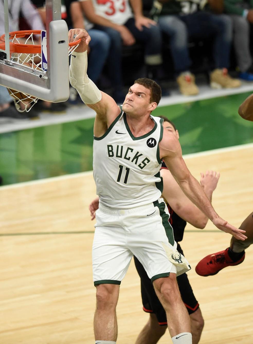 Lopez foi o cestinha do jogo — Foto: Patrick McDermott/Getty Images