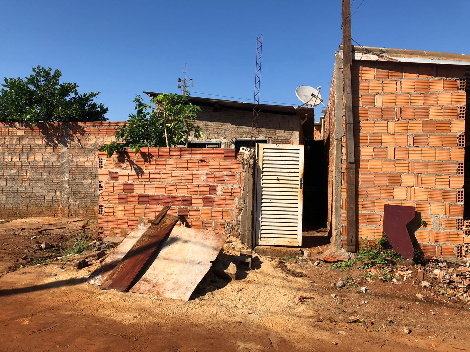 Homem é encontrado morto com sinais de violência dentro de casa em Ribeirão Preto, SP
