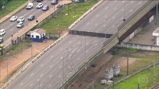 Marginal Pinheiros segue interditada após viaduto ceder cerca de dois metros
