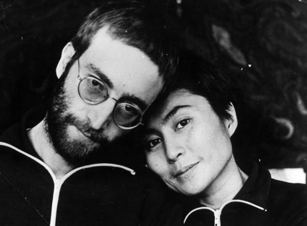 John Lennon e Yoko Ono em foto de janeiro de 1970 (Foto: Getty Images)
