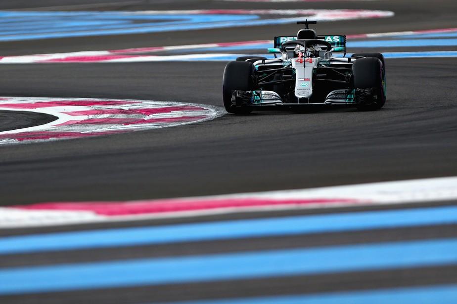 Hamilton supera Bottas na última volta e conquista a pole position na França