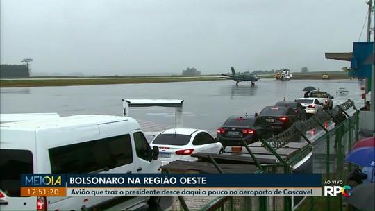 Avião do presidente Jair Bolsonaro deve chegar por volta das 13h20 em Cascavel