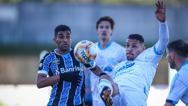 Isaque Mossoró em Grêmio x Novo Hamburgo