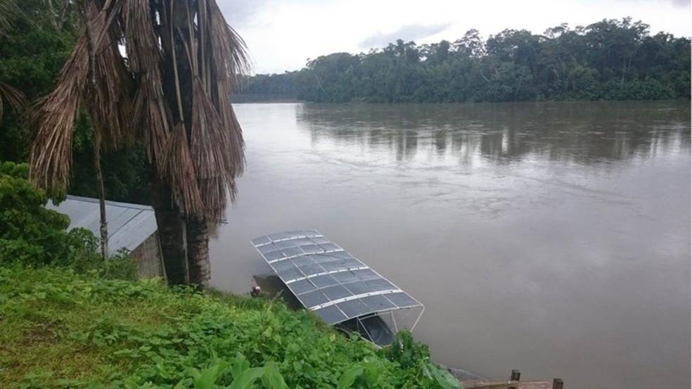 A canoa foi batizada de Tapiatpia, em homenagem a um peixe-elétrico lendário da região (Foto: BBC)