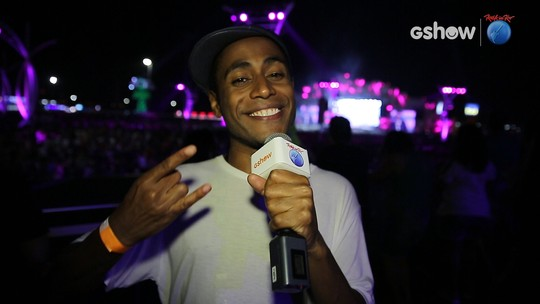 Famosos viram repórteres no Rock in Rio e entrevistam colegas