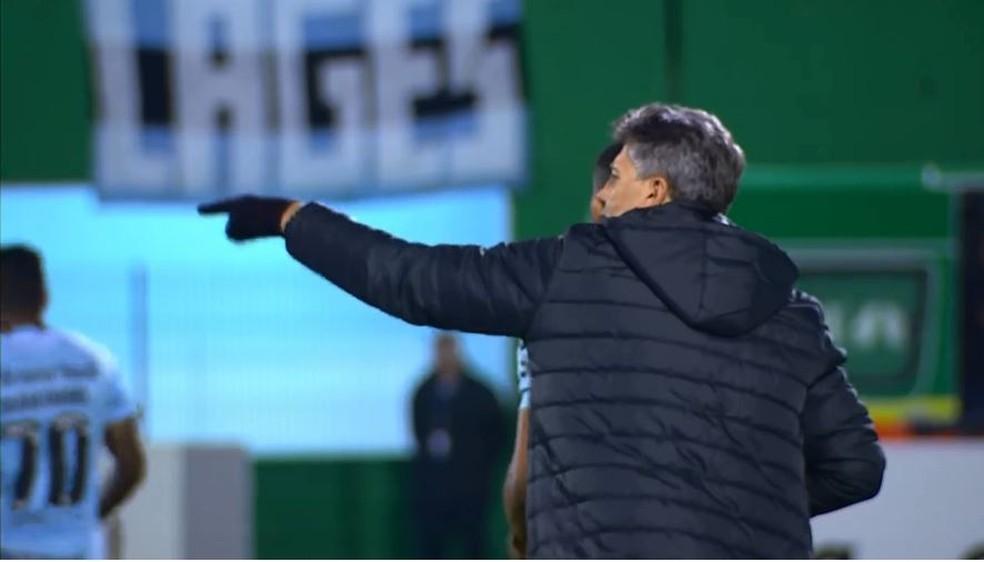 Renato comanda o Grêmio contra a Chapecoense  (Foto: Reprodução)