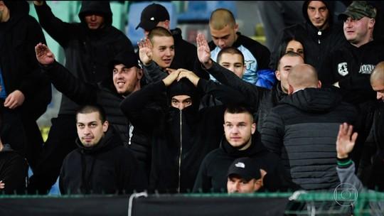 Jogo das eliminatórias da Eurocopa é marcado por racismo de torcedores búlgaros