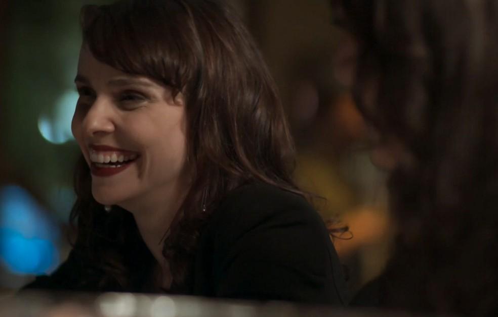Em 'A Força do Querer', Irene (Débora Falabella) está cada vez mais obcecada por Eugênio (Dan Stulbach) — Foto: Globo