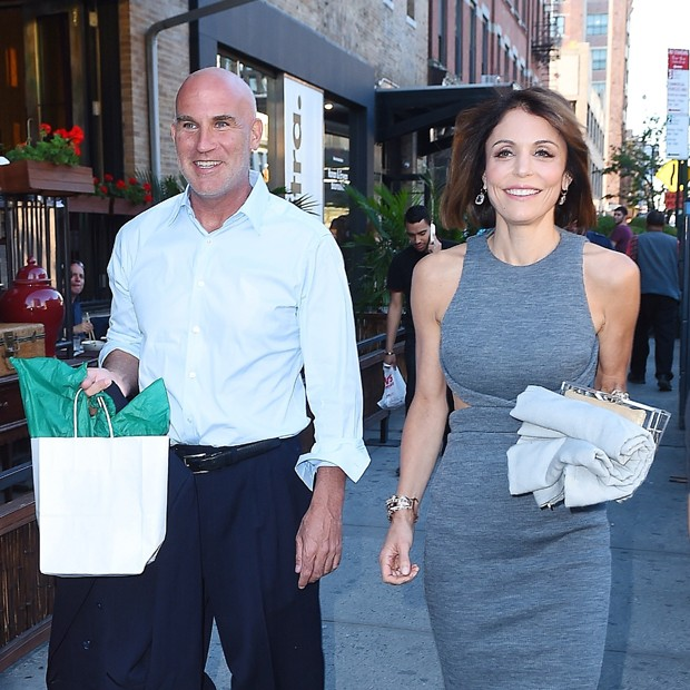 Bethenny Frankel e Dennis Shields (Foto: Backgrid)
