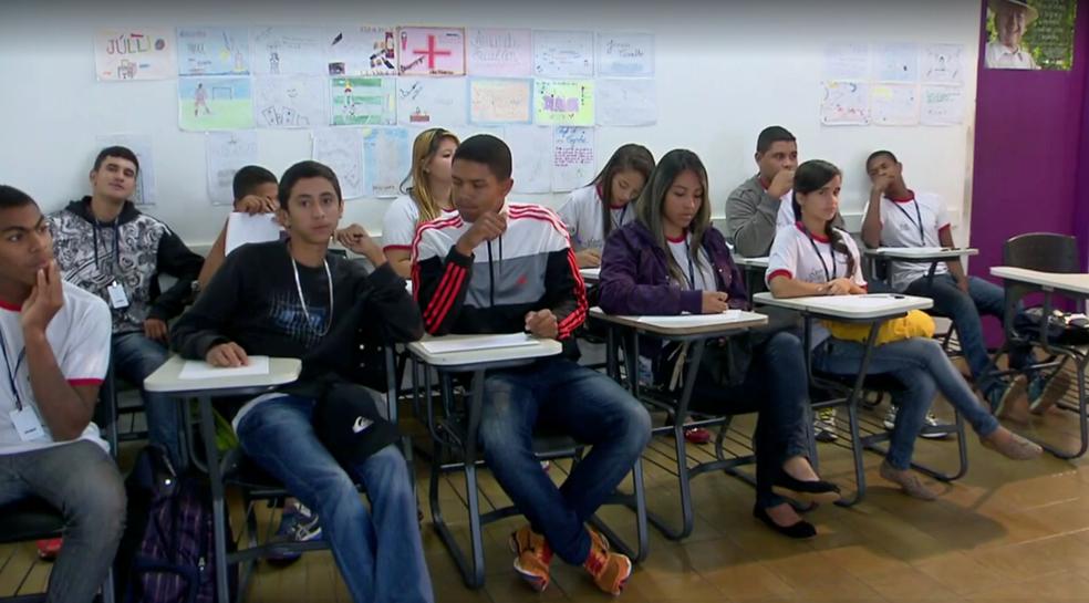 Jovens na primeira turma do programa, em Brasília (Foto: TV Globo/Reprodução)