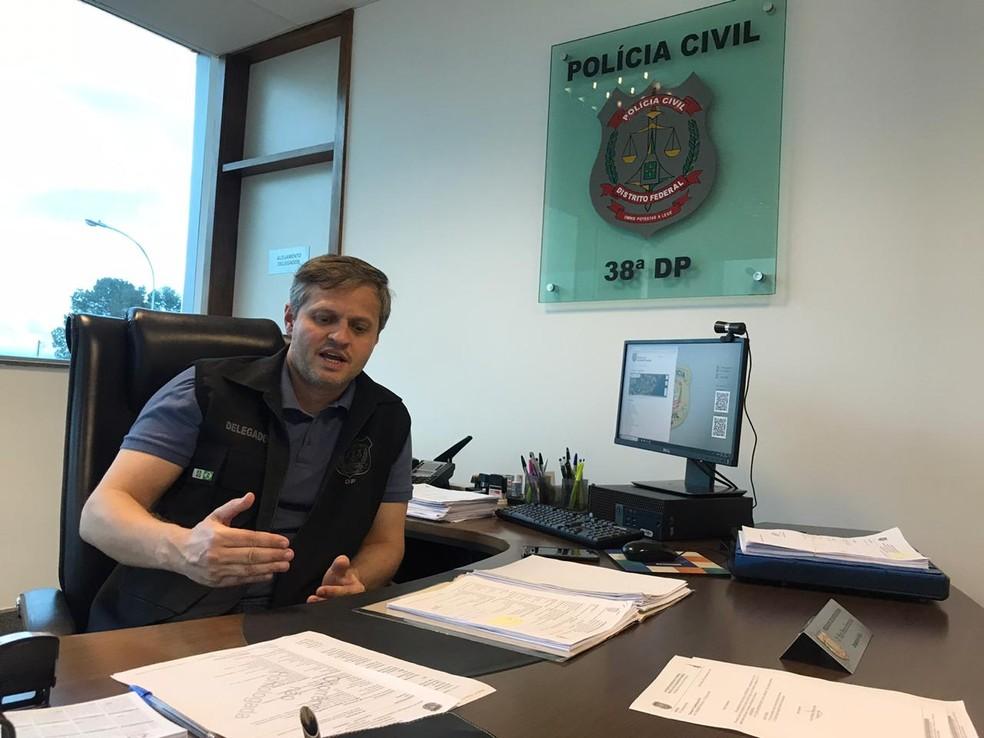 Delegado Yuri Pereira Fernandes, da 38ª Delegacia de Polícia do DF — Foto: Afonso Ferreira/G1