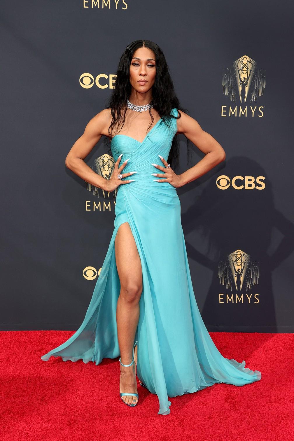 Michaela Jaé Rodriguez chega ao Emmy 2021 — Foto: Rich Fury/Getty Images North America/Getty Images via AFP