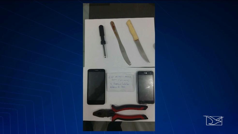 Após vistoria, foram encontrados celulares, alicates e até facas dentro do presídio para militares localizado dentro do Comando Geral da PM (Foto: Reprodução/TV Mirante)