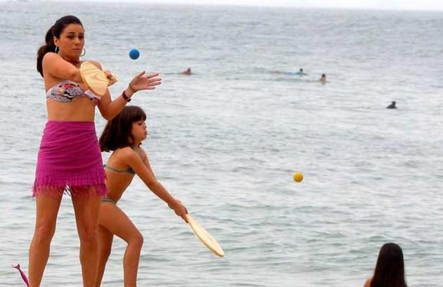 Como Dora, mãe da personagem de Klara Castanho em 'Viver a vida', outra novela de Manoel Carlos, que foi ao ar na Globo em 2009 (Foto: Reprodução)