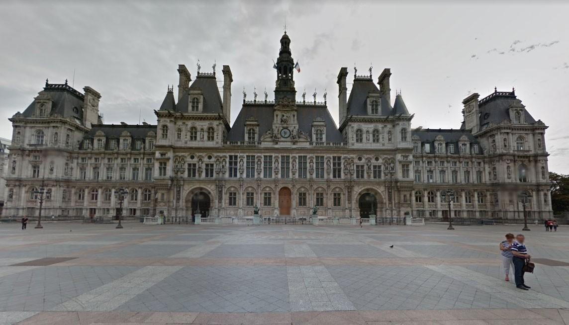 Paris vai abrigar sem-tetos em prédio histórico da prefeitura