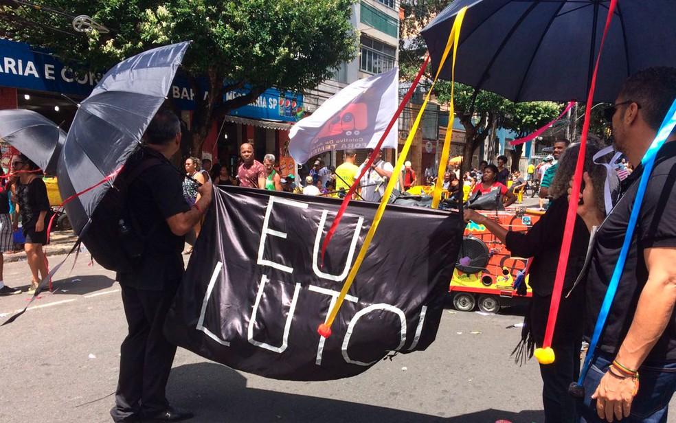 Grupo faz protesto no Grito dos Excluídos (Foto: Henrique Mendes/G1)