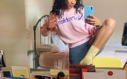 Esta conta no Instagram está fazendo sucesso com os looks do home office