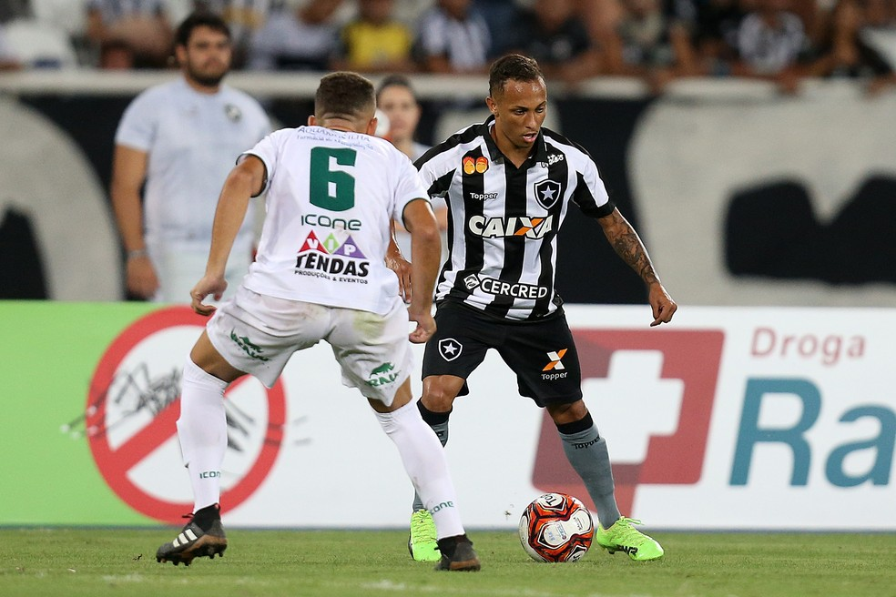 Lucas Campos entrou só uma vez até aqui (Foto: Vitor Silva/SSPress/Botafogo)