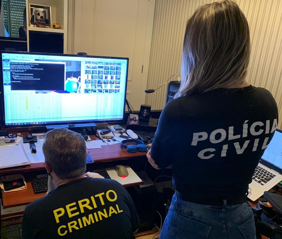Investigadores de Santa Catarina participam da operação de combate à pornografia infantil — Foto: CIJ/Divulgação