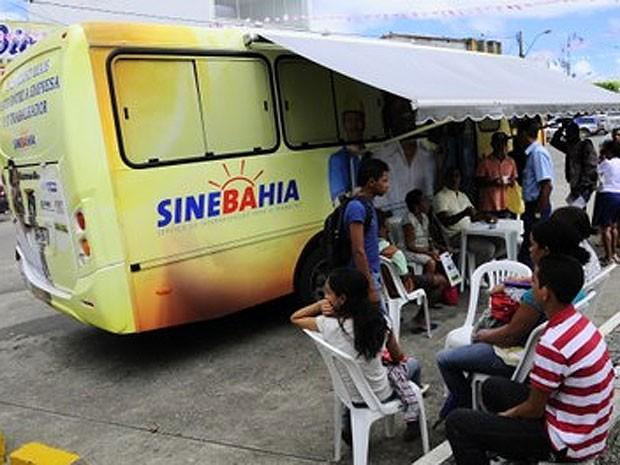 SineBahia Móvel atende moradores do subúrbio de Salvador