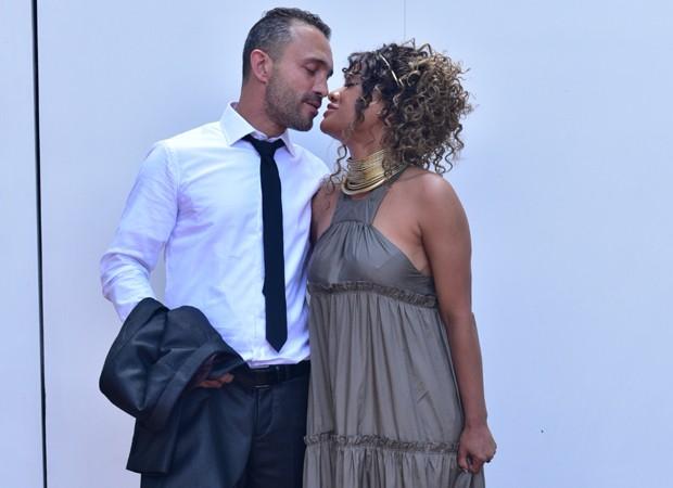 Leilah Moreno e o namorado, Henrique Porto (Foto: Leo Franco/AgNews)