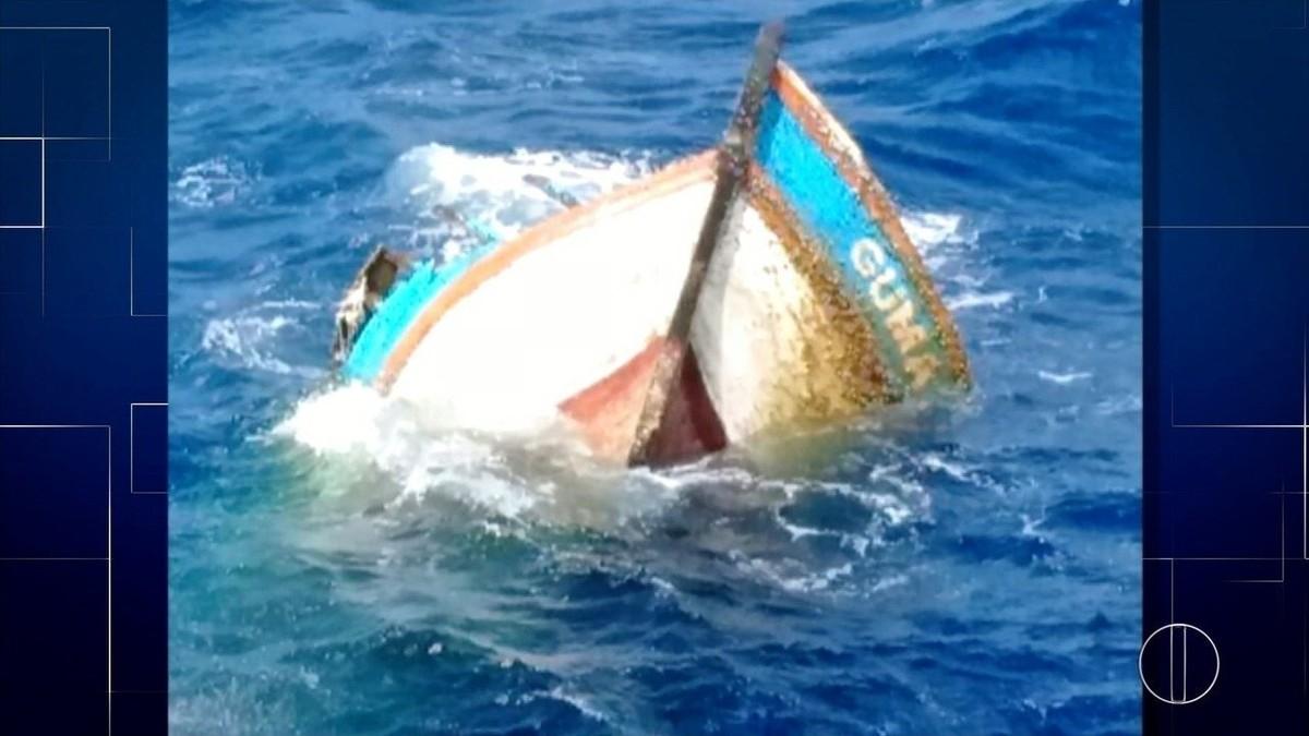 Marinha espera melhora no tempo para apurar se casco de barco encontrado no RS é de pescadores de Cabo Frio, no RJ