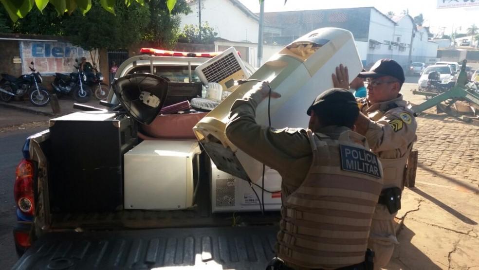 Objetos furtados foram recuperados pela Polícia Militar (Foto: Portal O Norte/Divulgação)