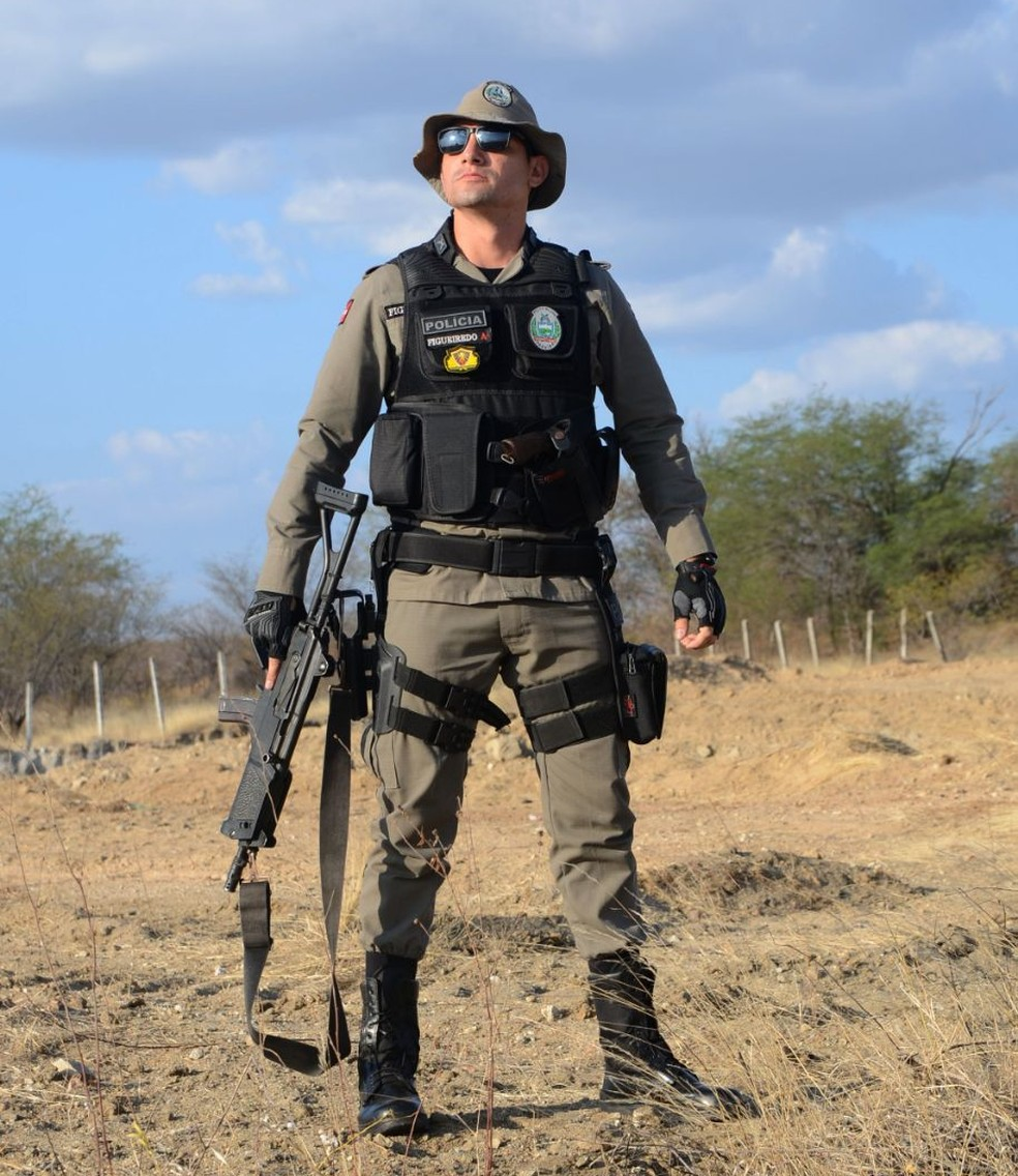 Jackson de Figueiredo Ricardo, 28 anos, policial militar há três meses e 'rimador' (Foto: Jackson de Figueiredo/Arquivo Pessoal)