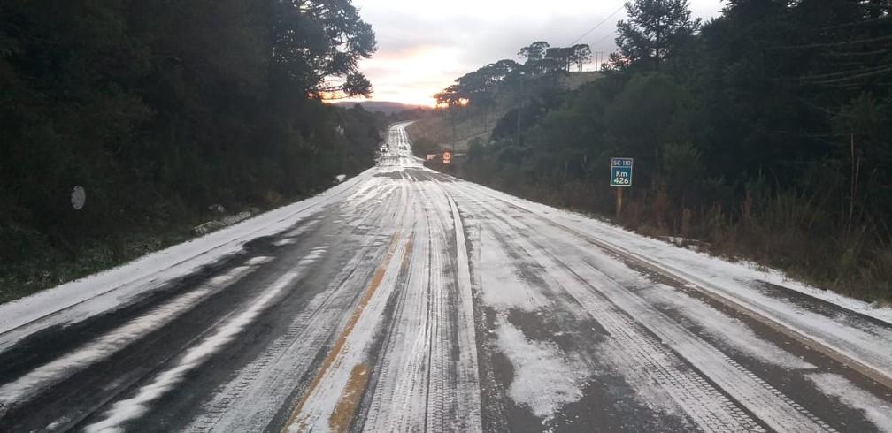 PMRv monitora trechos das rodovias estaduais em SC — Foto: PMRv/Divulgação