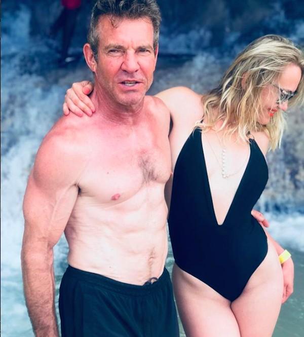O ator Dennis Quaid com a terceira e atual esposa, Santa Auzina (Foto: Instagram)