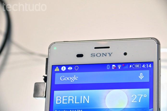 O Z3 possui tela Full HD de 5.2 polegadas (Foto: Fabrício Vitorino/TechTudo)