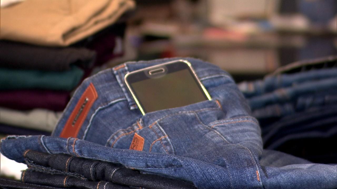 Calça com bolso antifurto de celular é sucesso de inovação e de vendas