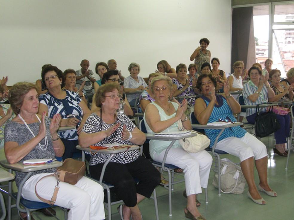 Faculdade da terceira idade — Foto: Vanessa Fajardo/G1