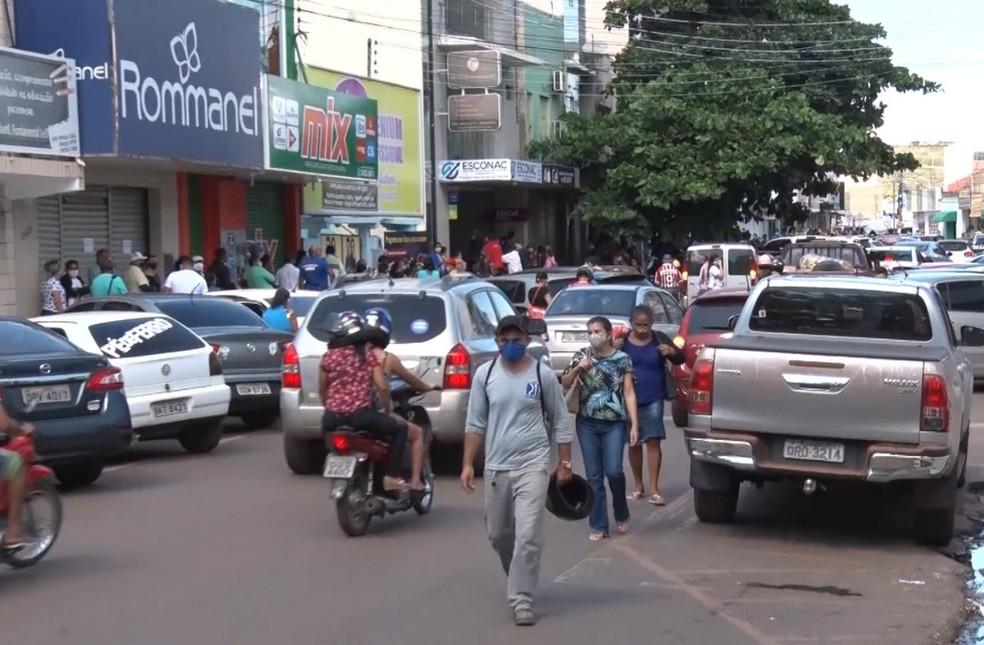 Reabertura do comércio em Picos  — Foto: TV Clube