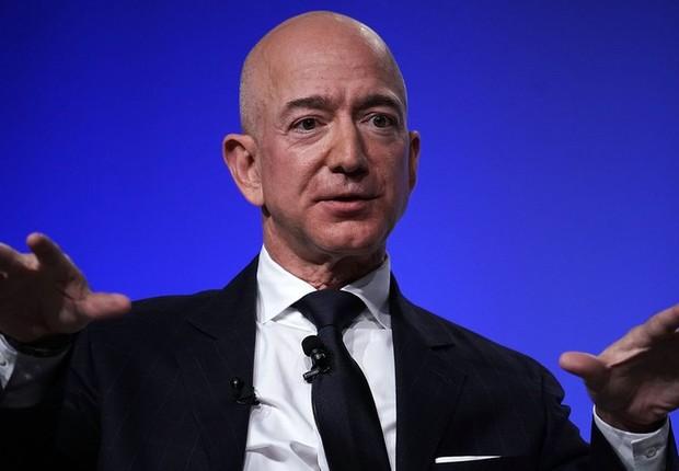 Bezos, que fundou a Amazon, é atualmente o homem mais rico do mundo, mas tem tido prejuízo bilionário para manter sua empresa espacial aberta (Foto: Getty Images)